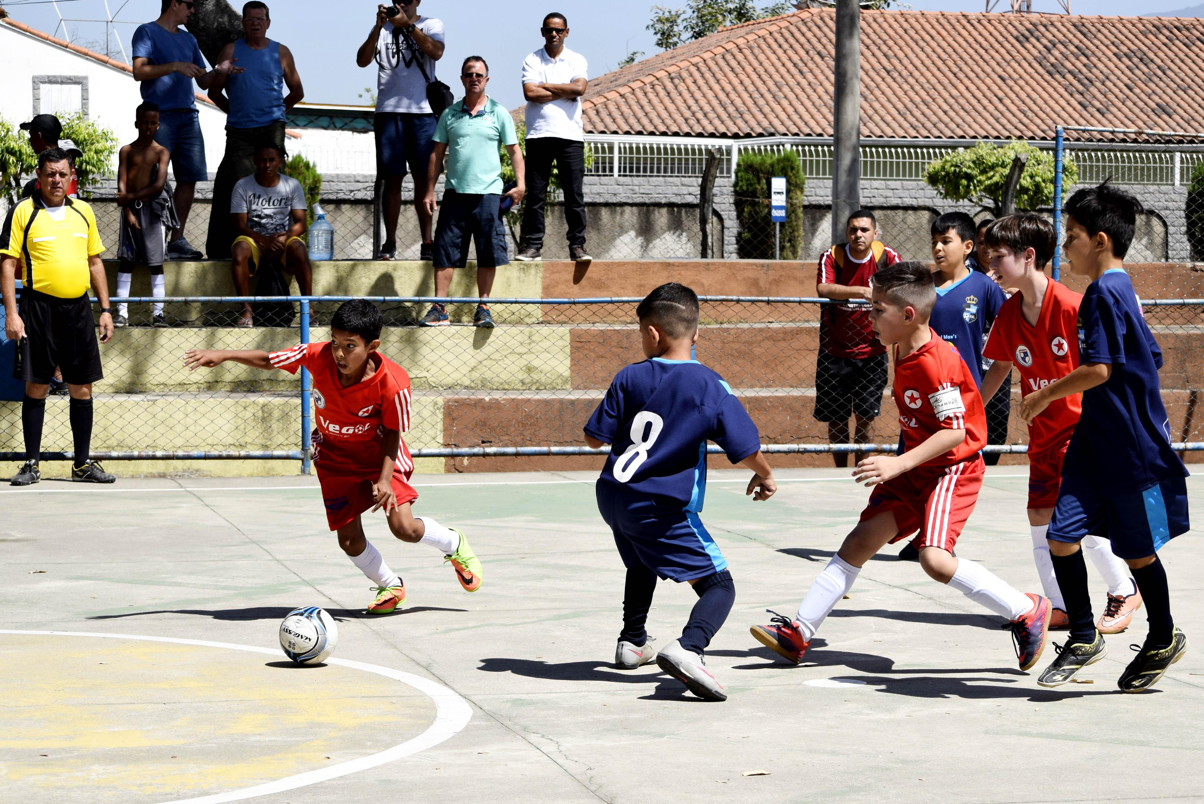 0935d3e4eb538 Inscrições abertas para aulas de futsal em Resende