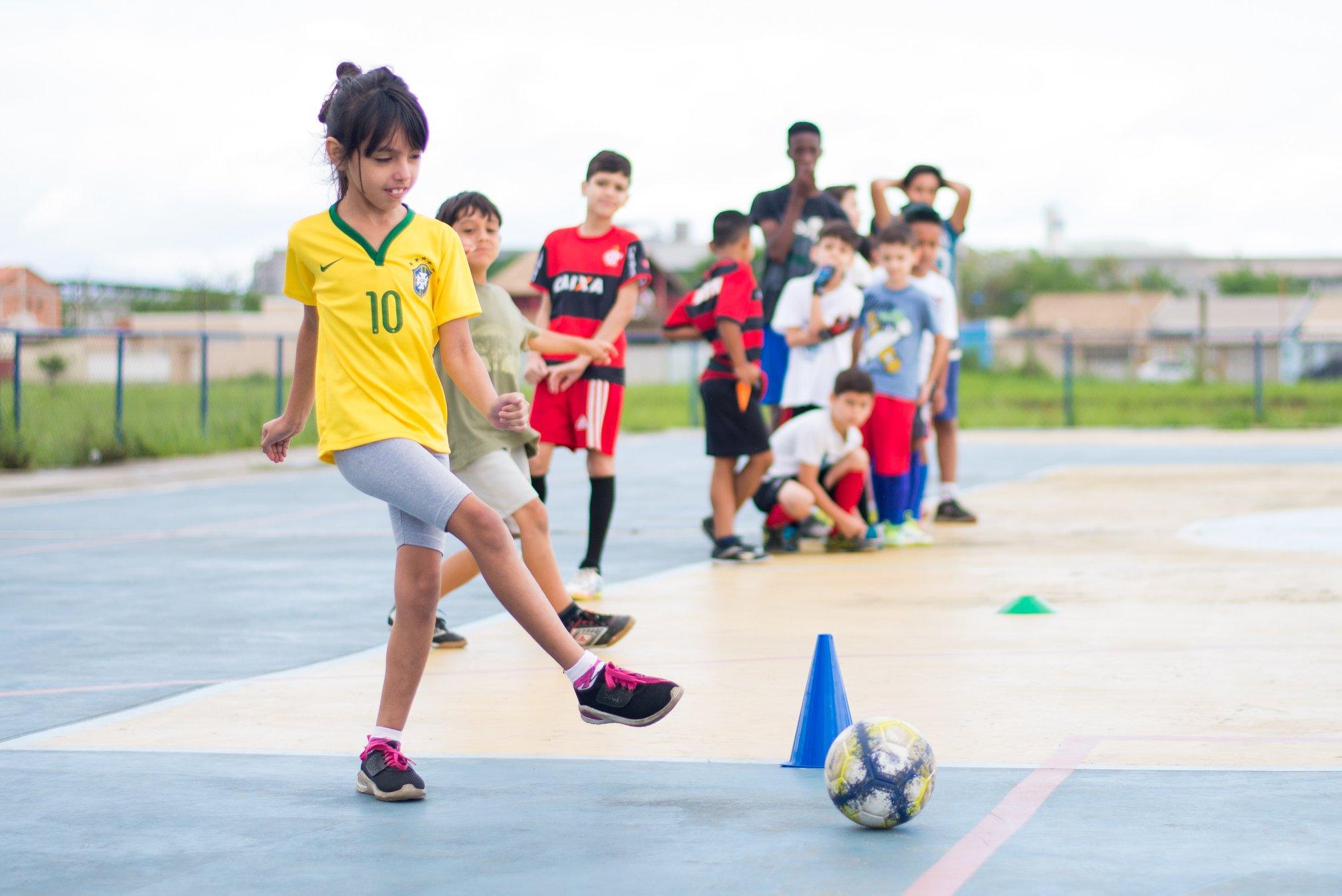 ae7b1731e114e Projeto de Futsal promove aula inaugural no Jardim Aliança II, em Resende