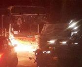 Motoristas de acidente entre ônibus e caminhão, na Vila da Fumaça, continuam no Hospital Emergência