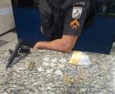 Jovem é detido no Nova Esperança com drogas