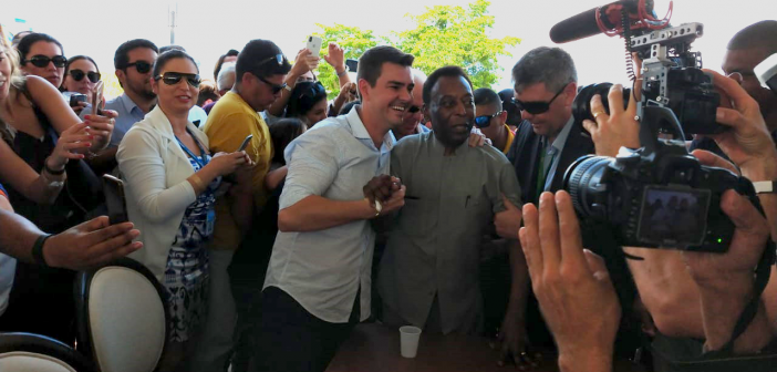 Pelé chega em Resende para inaugurar Academia de Futebol