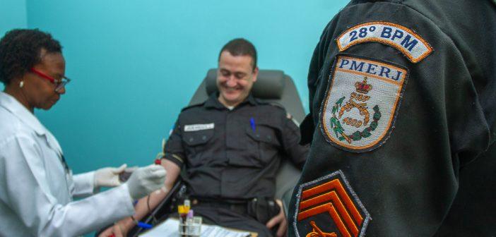 Aniversário do 28º BPM é comemorado com parte da corporação doando sangue aos hemonúcleos